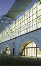 Françoise-Hélène Jourda, Gilles Perraudin. Escuela de Arquitectura Vaux-en-Velin Lyon, France, 1982-1987.