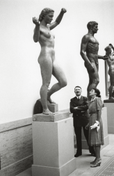 Gerdy Troost. Adolf Hitler y Gerdy Troost en la HDK